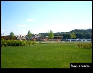 amenajări turistice pe lac- ZUMBAALA WAKE PARK